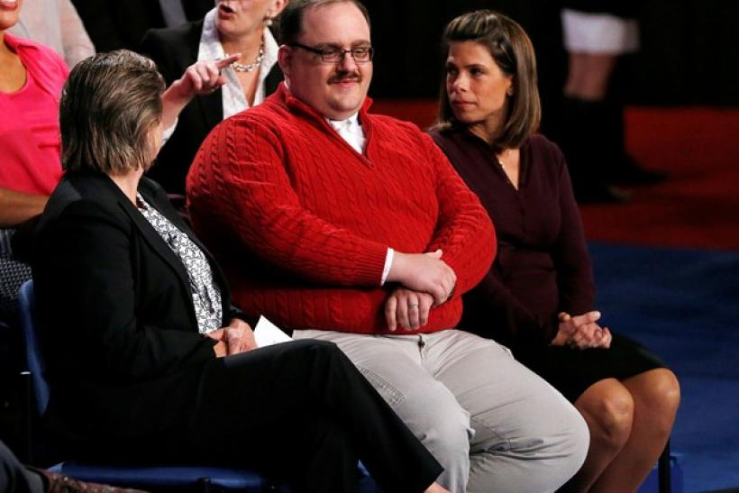 Who Is Ken Bone? The Man In The Red Sweater At The Hillary Clinton ...