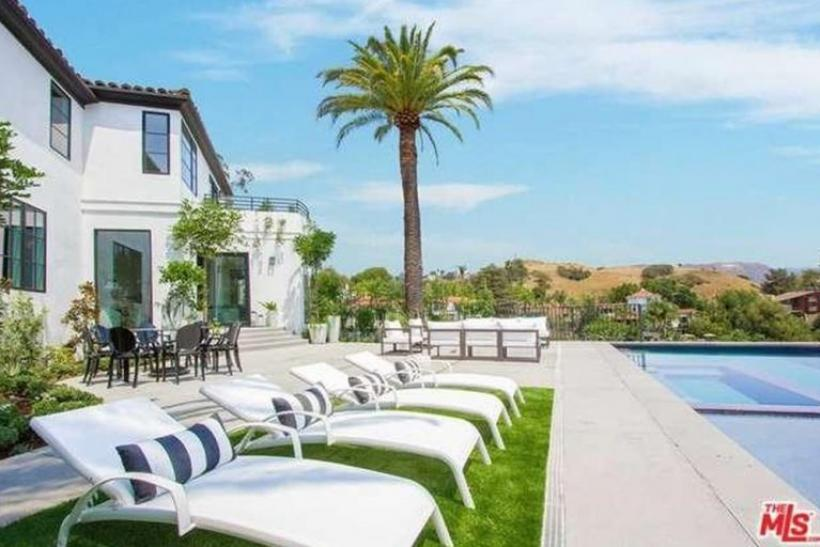 Louis Tomlinson buys new Hollywood Hills home.