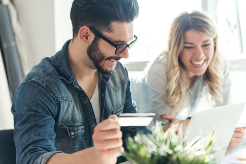 Getting A Credit Card: Is The Best Time To Get A New Credit Card Right Now? How To Find A Great Plan