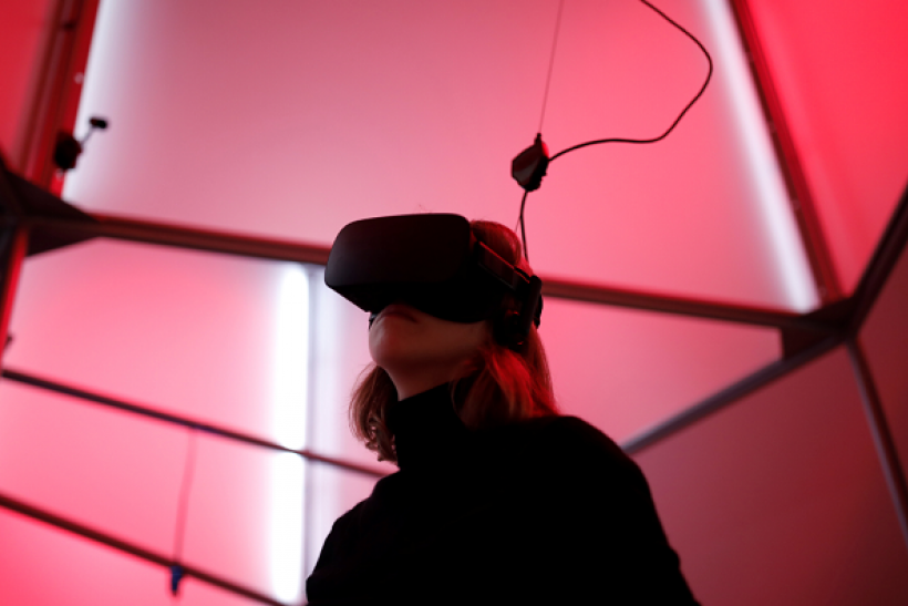 Microsoft researchers suggest new virtual reality technology with hallucination capabilities will develop in 2017.