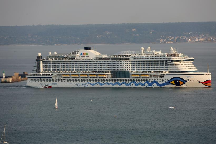 Are Cruises Safe Sexual Assault On Ships Poses Danger To Minors - How safe are cruise ships
