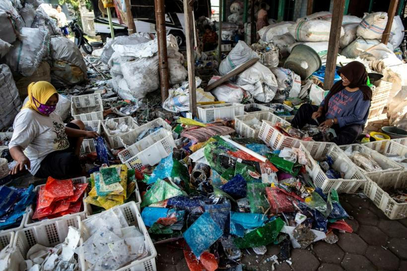 Greenpeace warns that plastics prosperity in Indonesia comes at a huge environmental and public health cost