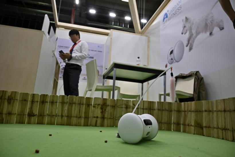 Voice-command ovens, robots for pets on show at Berlin's IFA
