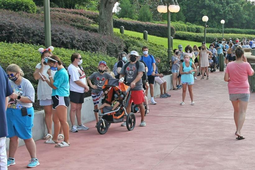 Hundreds queued to get into Disney World in Florida