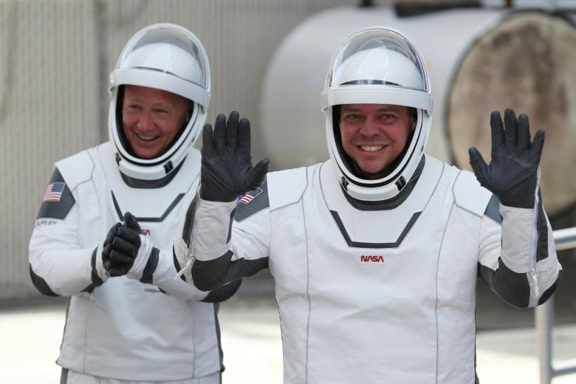 Bob Behnken (r) and Doug Hurley (l) blasted off from Cape Canaveral on May 30 on board a SpaceX Crew Dragon, and are supposed to splash down off the coast of Florida on Sunday afternoon