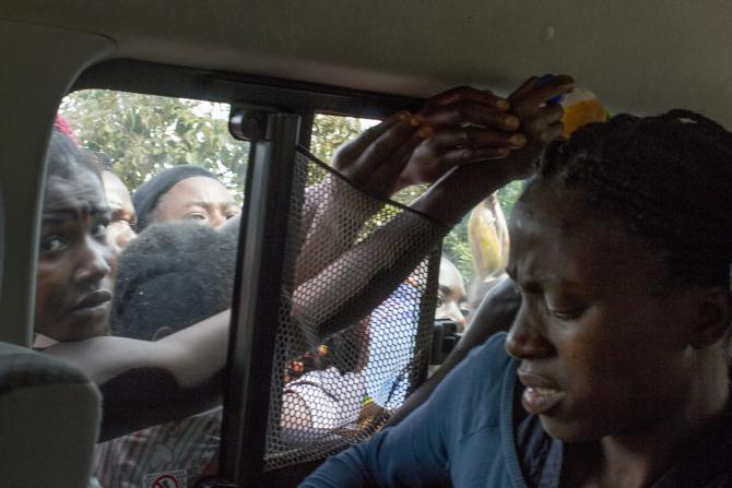 American photographer Cameron Barnes took the treacherous, 13-hour bus ride from Lagos to Abuja, Nigeria. Photo: International Business Times / Cameron ... - nigerian-bus-ride_2