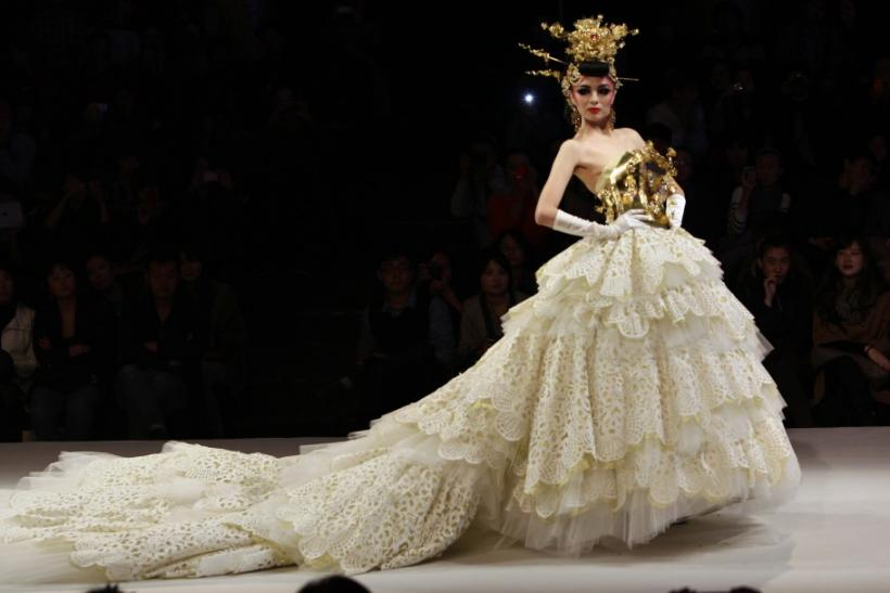 China fashion week haute couture wedding dresses grace for Wedding dresses in china