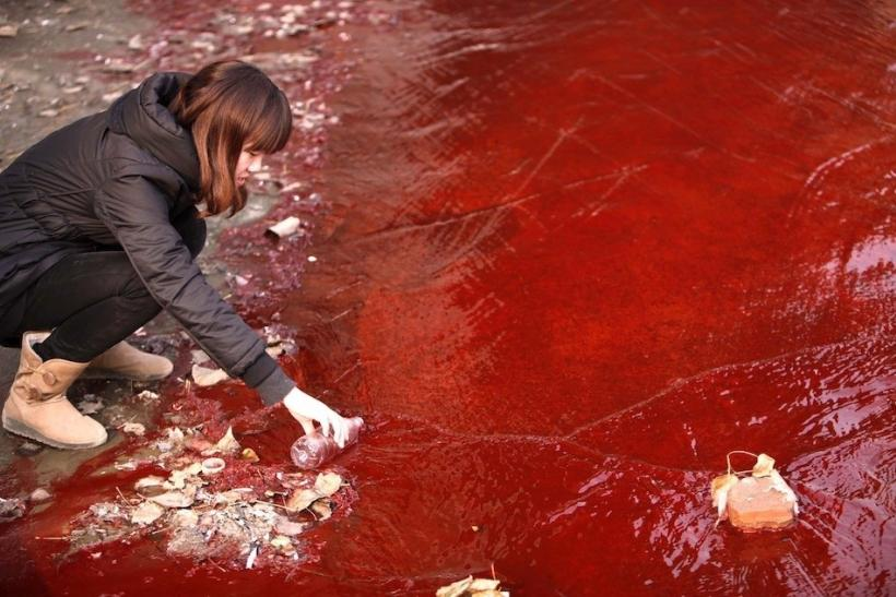 Jian River Turns Red