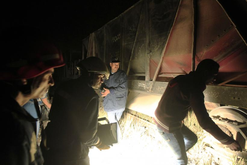 Military Train Derailed Killing 19 Near, Cairo, Egypt