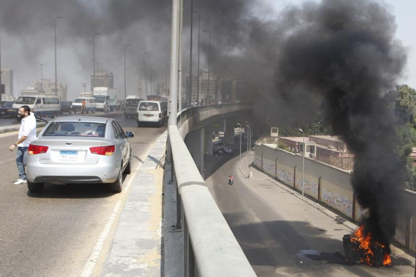 egypt car burning