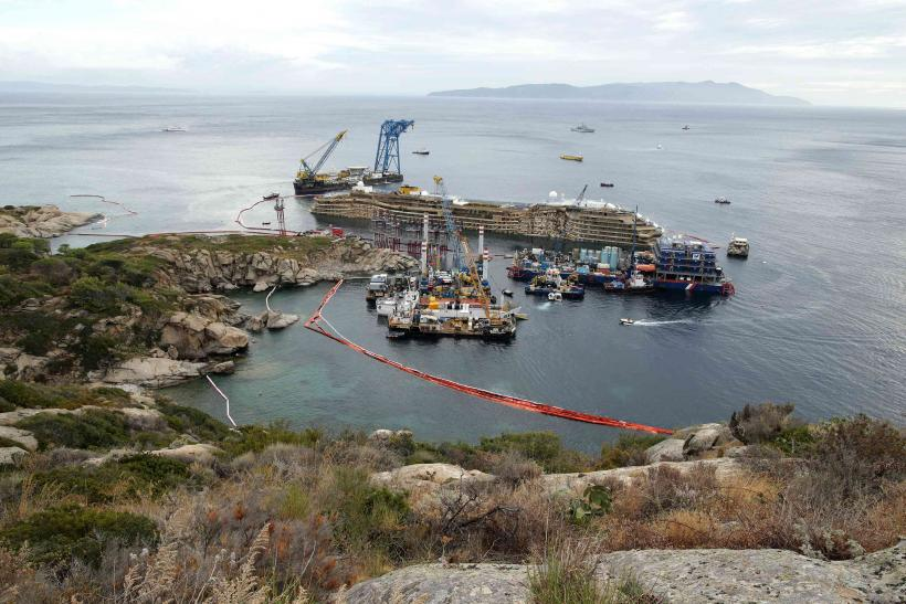 Costa Concordia harbor 2