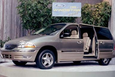 Ford Windstar minivan (model year: 1999)