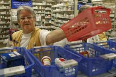 Global drug sales seen nearing $890 bln in 2011