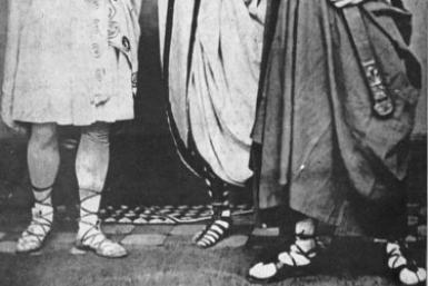 John Wilkes Booth (left), Edwin Booth and Junius Brutus Booth, Jr. in Shakespeare's Julius Caesar in 1864.