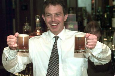 1997: Tony Blair, Hands Full