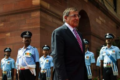 U.S. Defense Secretary Leon Panetta inspects a guard of honor during a welcoming ceremony at the Defence Ministry in New Delhi