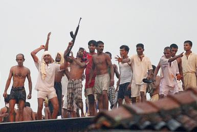 Rioting prisoners in Sri Lanka