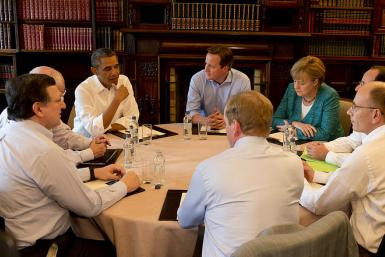 G8 leaders meet around a roundtable for the G8 2013 summit