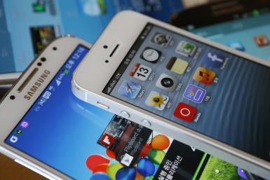 Samsung_Apple_Smartphone