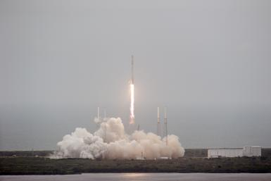 SpaceX Falcon 9 Soft Landing