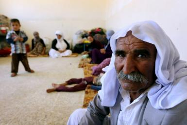 yazidi-families-are-fleeing-bloodshed-violence-northern-iraqi-town-sinjar