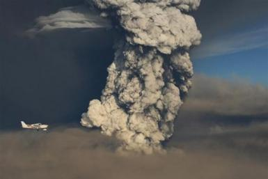 latest-scenes-iceland-volcano-eruption-aftermath-photos