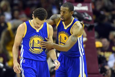 Stephen Curry Andre Iguodala Warriors 2015