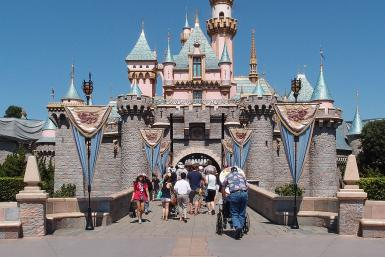 1046px-Sleeping_Beauty_Castle_Disneyland_Anaheim_2013
