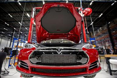 GettyImages-Tesla factory