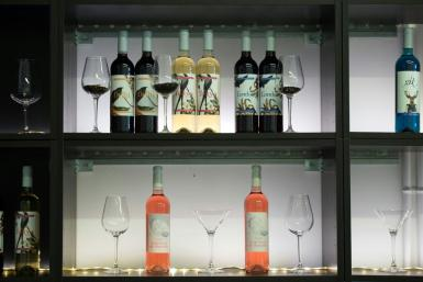 Spanish wine and olives will be among the European products targeted by stiff US tariffs set to take effect at midnight Thursday