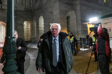 Bernie Sanders flew from Washington, where he served as a juror in the impeachment trial of President Donald Trump, to Iowa on February 1 to campaign