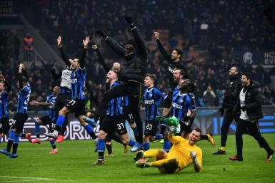 Inter Milan move top of Serie A after beating city rivals AC Milan 4-2.