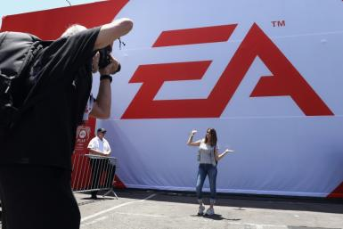 Video game titan Electronic Arts reported that its net income doubled to $418 million on revenue that grew to $1.4 billion in the first three months of 2020