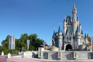 Magic_Kingdom_-_Cinderella_Castle_panorama_-_by_mrkathika