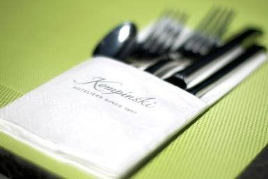 The five-star Kempinski hotel in Gravenbruch has been forced to switch to paper napkins