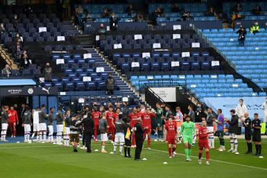 Manchester City players formed a guard of honour for Liverpool in their first match since becoming Premier League champions