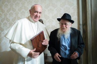 Pope Francis (L) at a private audience with Israeli Rabbi Adin Steinsaltz at the Vatican in December 2016