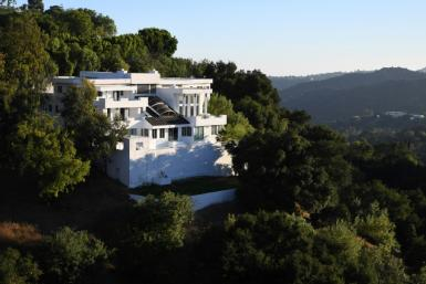 While the pandemic lockdown initially caused a lull in Hollywood Hills house parties, the past few weeks have seen gatherings soar such as at this mansion off famed Mulholland Drive, where one person was shot and killed