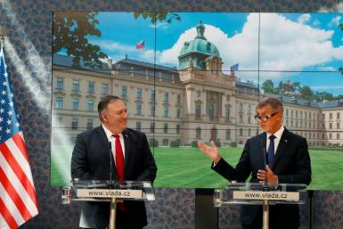 US Secretary of State Mike Pompeo (L) called for Belarusians to have 'the freedoms they are demanding' at a press conference with Czech Prime Minister Andrej Babis in Prague
