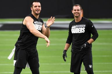 Derek Carr Hunter Renfrow Raiders
