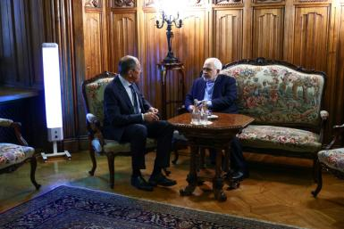 Russian Foreign Minister Sergei Lavrov (L) met with his Iranian counterpart Mohammad Javad Zarif in Moscow
