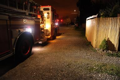 Chicago fire forces 8-year-old to throw mattress out of apartment window for safety