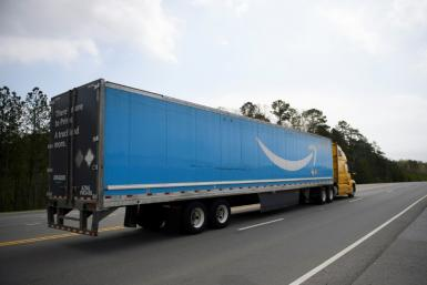 A unionization drive targeting Amazon, which has some 800,000 US workers, is being led by the powerful Teamsters union