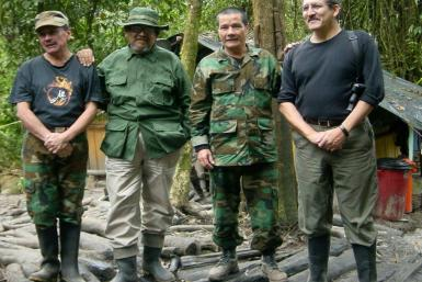 """Handout picture released on July 28, 2011 by the Ministry of Defense with Nicolas Rodriguez Bautista a.k.a. """"Gabino"""" second from right. AFP PHOTO/Ministerio de Defensa Nacional/HO"""