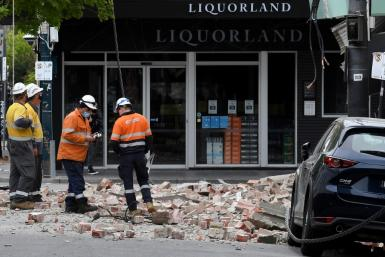 A shallow quake shook southeastern Australia, sending panicked residents running into the streets
