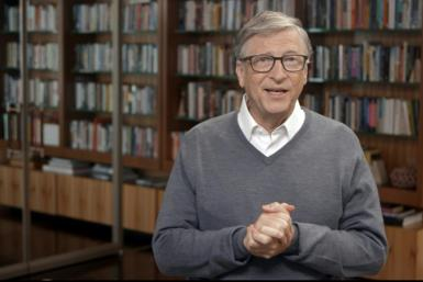 Microsoft co-founder Bill Gates had been warned by the company's board about inappropriate emails for a female staff member in 2008, but no further action was taken