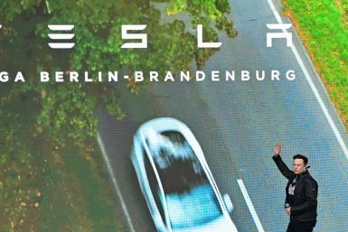 """Leading analysts at Morgan Stanley upped their target on Tesla to $1,200 from $894, pointing to the company's """"extraordinary"""" revenue in the last quarter despite supply chain problems"""