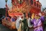 Mardi Gras 2012: Celebs, Entertainers & Revelers Parade in New Orleans (PHOTOS)