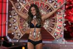 Alessandra Ambrosio Is Having A Boy: Her 5 Hottest Looks On The VS Catwalk [SLIDESHOW]