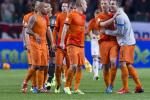 Holland Trounces Hungary 8-1